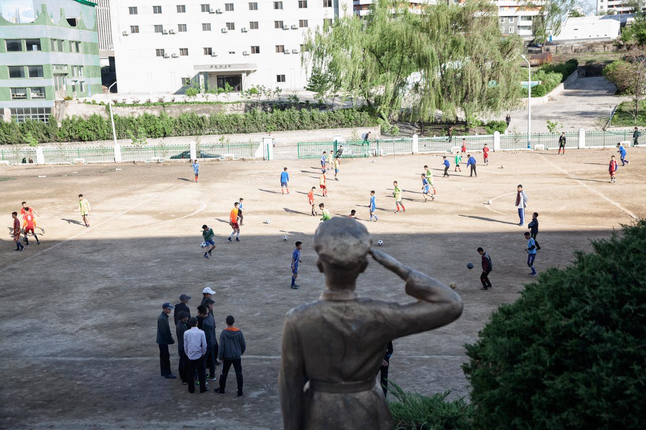 Fussball, ist sehr beliebt in Nordkorea.